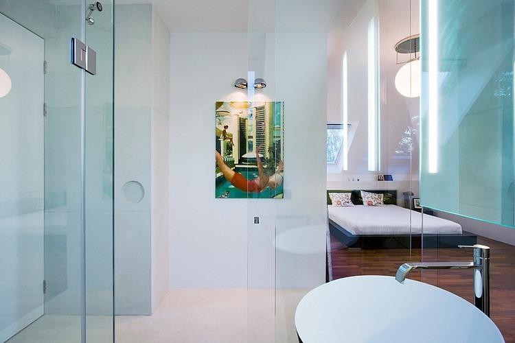 004-contemporary-home-ivanka