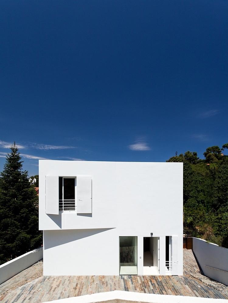 012-vallvidrera-house-ylab-arquitectos
