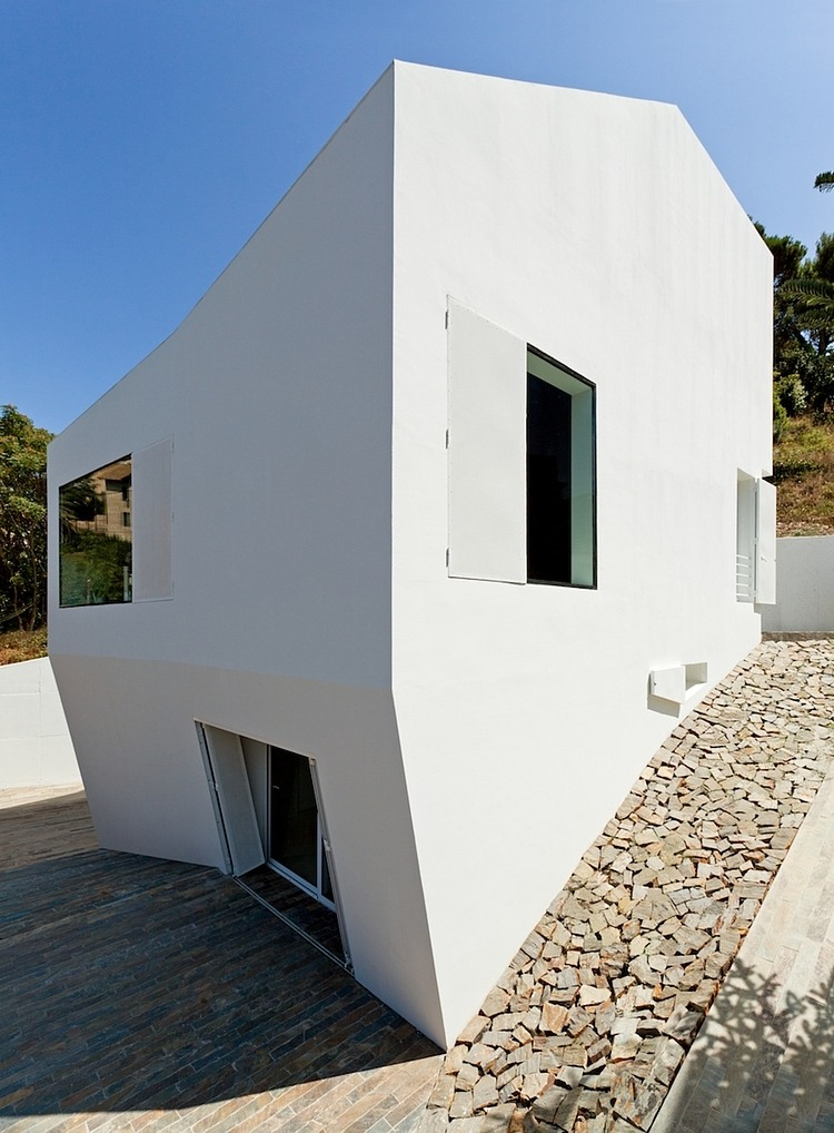 014-vallvidrera-house-ylab-arquitectos