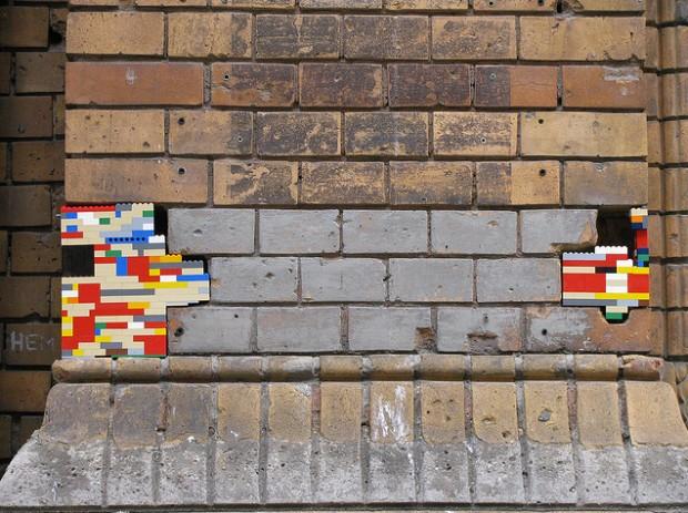 street-art-lego